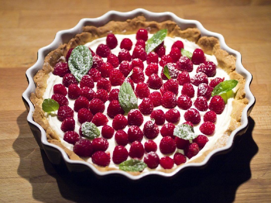 Zocno tarta z malinami i syrkiym mascarpone